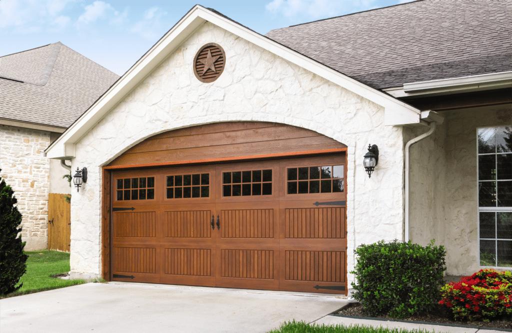 Garage doors myrtle beach green hill products for Long beach garage door repair